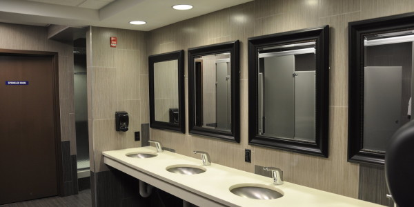 Crunch Fitness (Garwood) – Locker Room Vanity