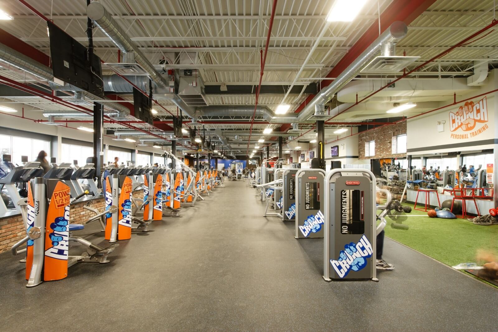"""A diverse community working together to create a culture of inclusive fitness and fun! At Crunch Staten Island, there are no judgments. No """"too much"""" or """"not enough."""" No glares of disapproval. Here, we keep open minds. We are nurturers, seeking only to encourage, empower, and entertain."""