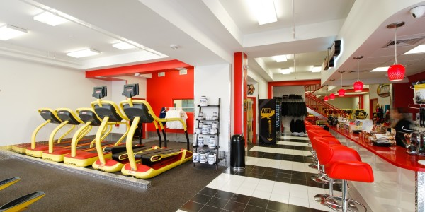 Retro Fitness (Bayonne) – Entry and Juice Bar