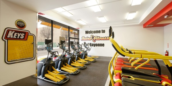 Retro Fitness (Bayonne) – Cardio Equipment