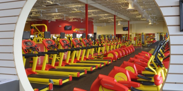 Retro Fitness (Manassas) – Entry View