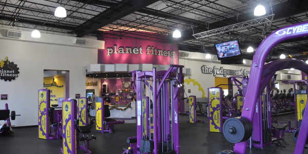 Planet Fitness (Flemington) – Circuit Training and Front Desk