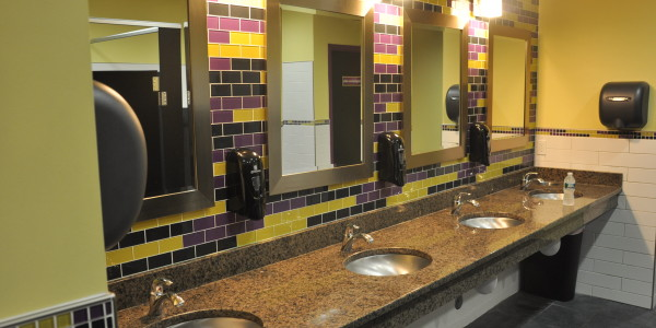 Planet Fitness (Flemington) – Restrooms