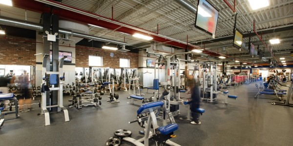 Crunch Fitness (Staten Island) – Free Weight Area