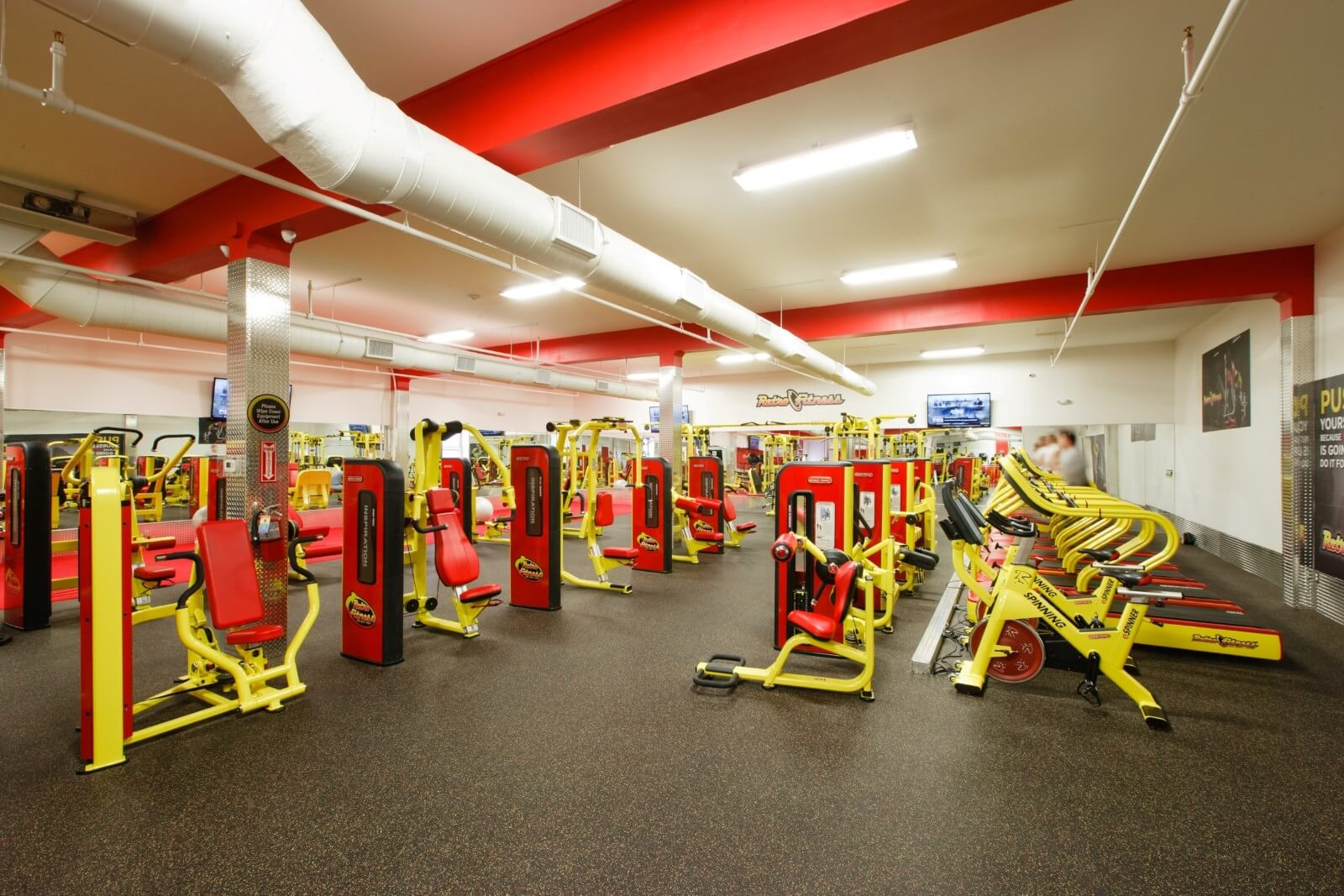 Retro Fitness 70 Locations Design42